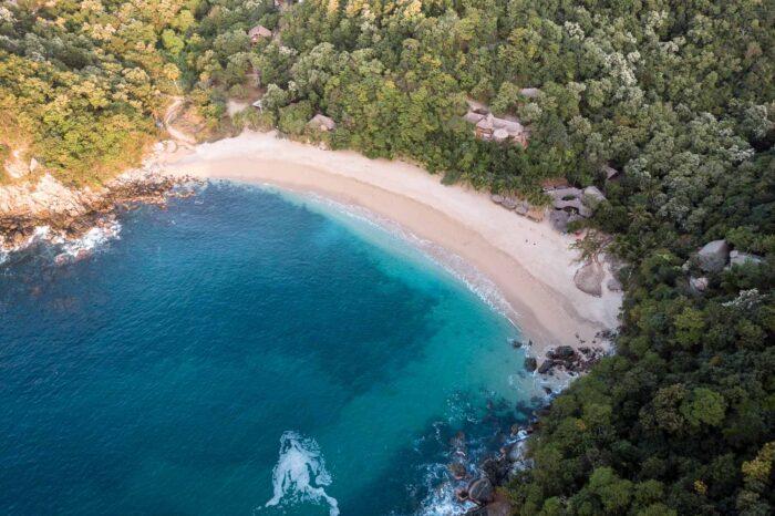 La Costa Oaxaqueña: Playas y Lagunas