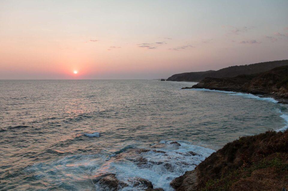 Atardeceres en Punta Cometa, el mejor lugar para despedir el día en la costa Oaxaqueña